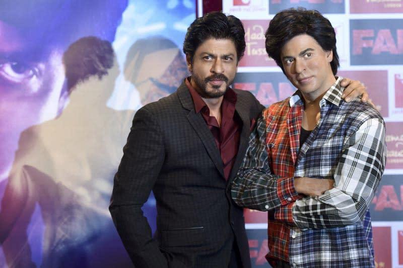 <p>在《沙魯克罕之終極粉絲》中,寶萊塢天王同時飾演自己與一名瘋狂愛慕自己的粉絲。(照片出處:《沙魯克罕之終極粉絲》劇照) </p>