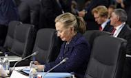 Hillary Clinton Suffers Concussion After Fainting