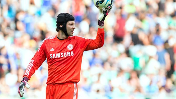 Premier League - Unhappy goalkeeper Cech eyes Chelsea exit