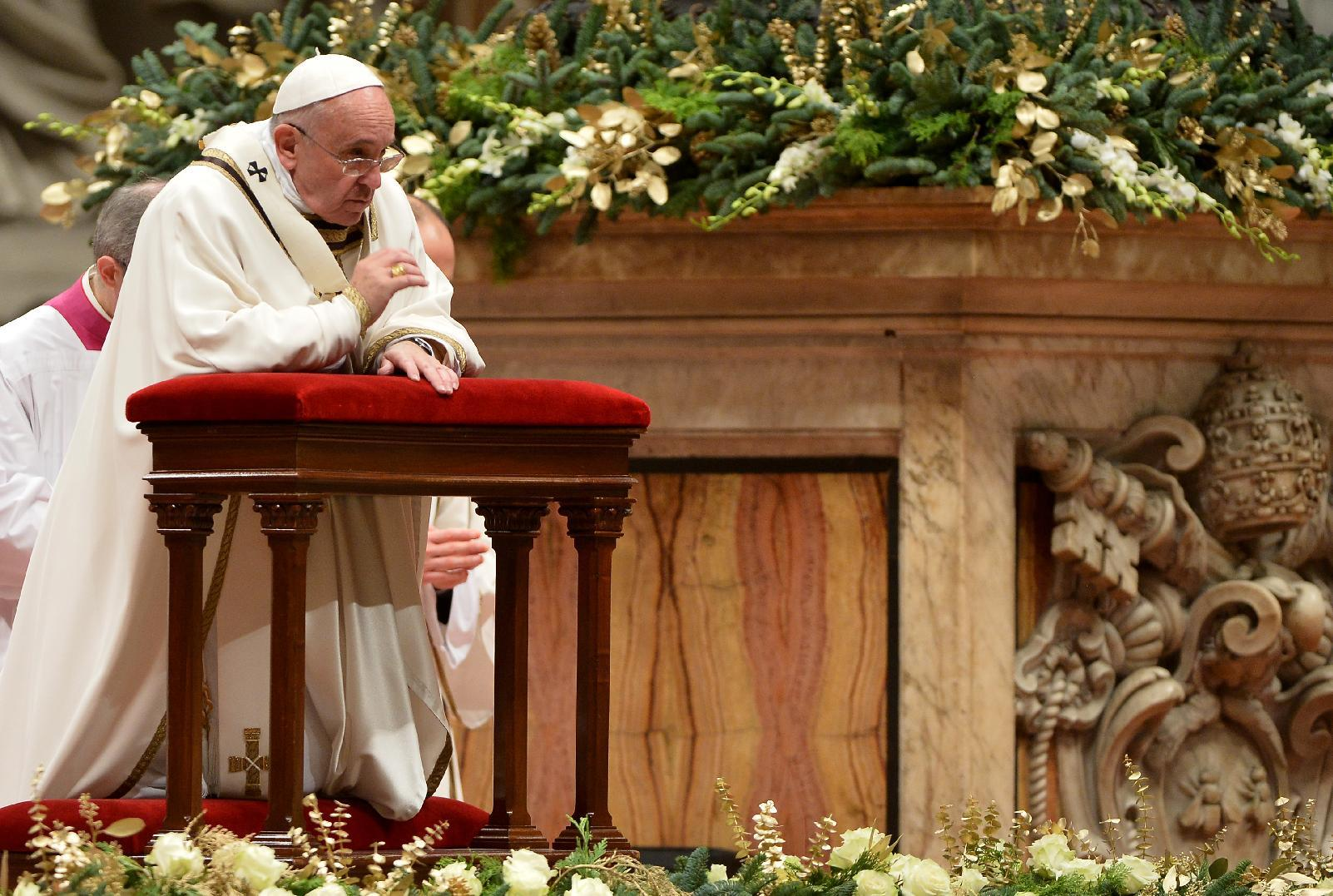 Pope likely to address year of conflicts in Christmas message