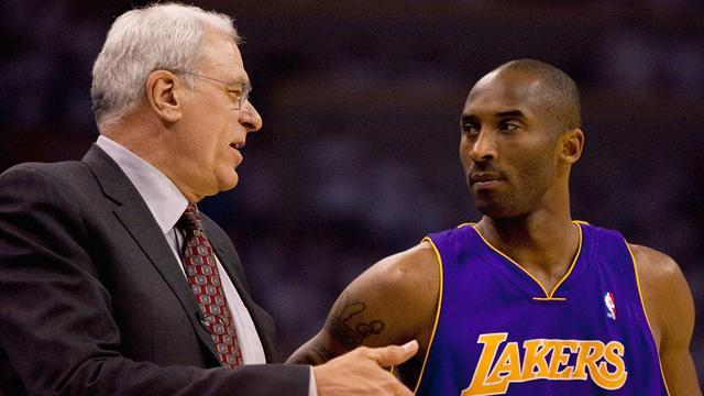 NBA - Former coach Jackson talks to Lakers