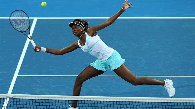 Tennis - Venus Williams leads US to win, Spain beat France