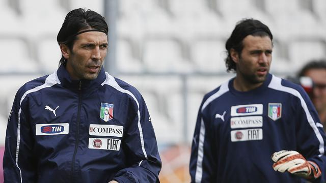 Ligue 1 - Buffon backs Sirigu as successor