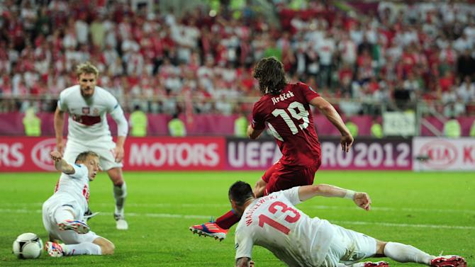 Czech Republic v Poland - Group A: UEFA EURO 2012