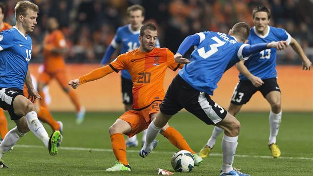 World Cup - Van der Vaart pulls out of Dutch squad