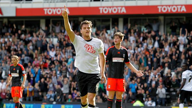 Championship - Fulham nightmare continues, rampant Forest go top