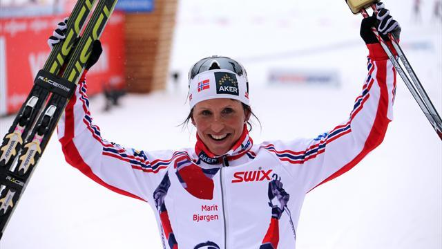 Cross-Country Skiing - Bjoergen completes golden hat-trick as Norway retain relay title