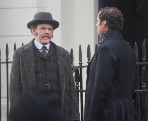 <p>四、《福爾摩斯與華生(暫譯)》Holmes and Watson:關於福爾摩斯的傳奇故事,相信你一定不陌生;而福爾摩斯與華生這對搭檔再次登上大銀幕,自然也不是什麼新鮮事。但即將在今年上映的《福爾摩斯與華生》則召集了超乎觀眾想像之外的卡司陣容,由喜劇明星威爾法洛和約翰萊利聯手主演,並由《MIB星際戰警3》編劇伊坦柯亨身兼編導二職。在把玩顛覆大膽的喜劇元素之下,這對經典偵探搭檔又會如何翻轉?電影預計今年11月中上映,且讓我們一起拭目以待。(圖/《福爾摩斯與華生》官方劇照) </p>