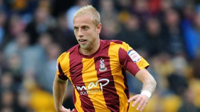 League One - Davies nearing Bradford return