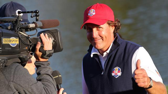 Golf - Mickelson wins Phoenix Open by four shots