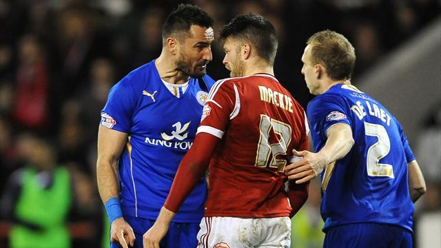 Championship - Ten-man Leicester earn late point