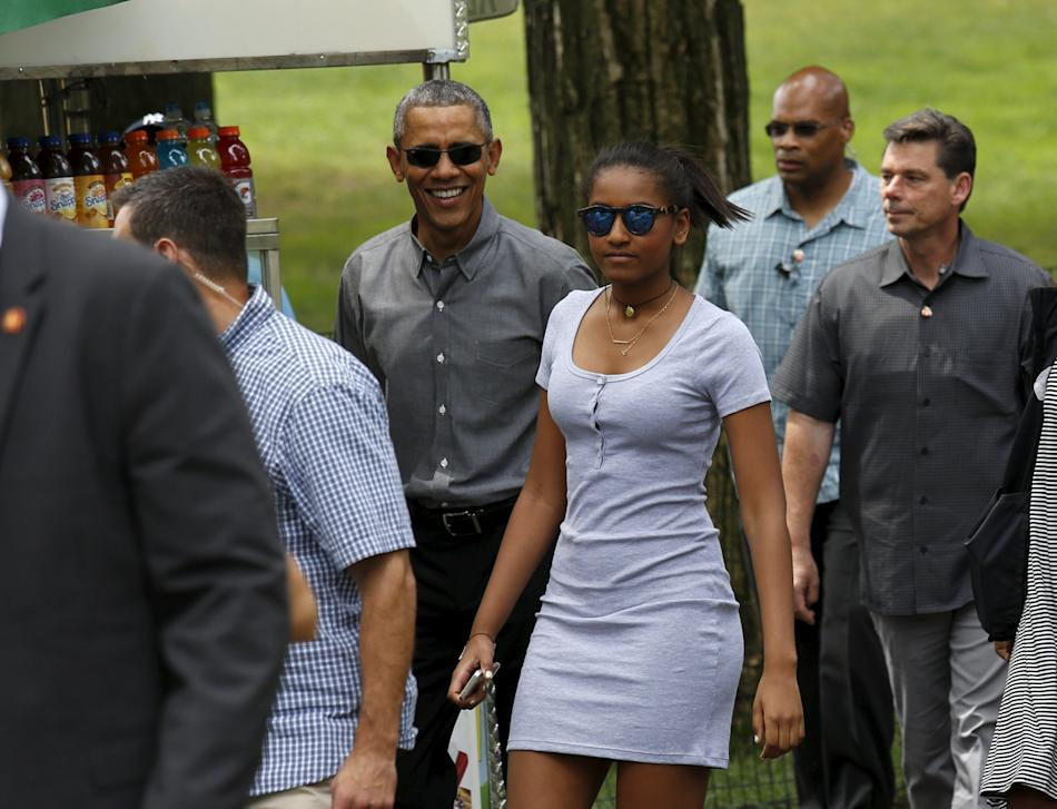 Obama walks in Central Park in New York