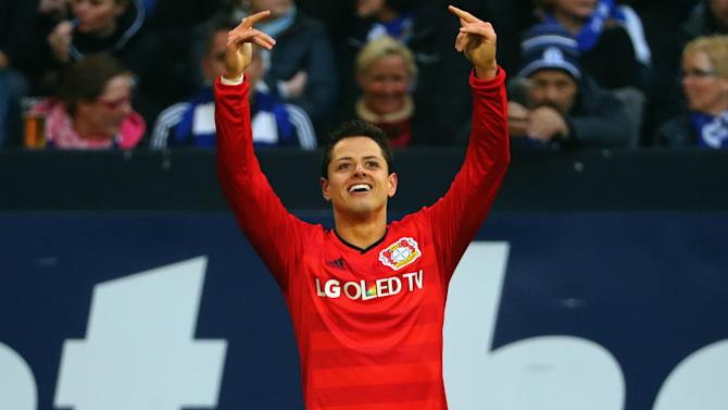 Javier Hernandez out for at least two weeks after falling down stairs