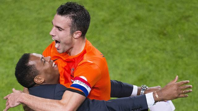 World Cup - Van Persie becomes all-time top Dutch scorer after 8-1 win