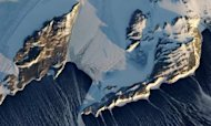 Antarctica: Plane Missing, Three On Board