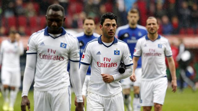 Bundesliga - Disastrous first half pushes Hamburg closer to relegation