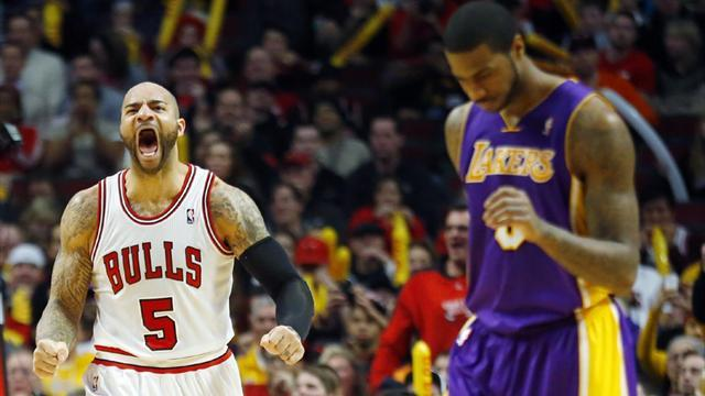 Basketball - Slumping Lakers blown away by Bulls