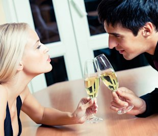 5 Things You Should Not Tell Her on Your First Date