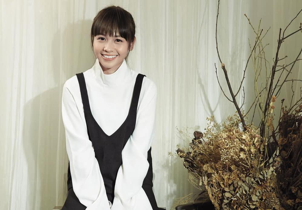 <p>九、《寶米恰恰》黃姵嘉:在2012年的台灣電影《寶米恰恰》中,新演員黃姵嘉獨挑大樑演出一對雙胞胎,劇情更在這種別人分不清楚你是誰的角度中,添入了愛情與重新找到自我定位等元素。電影風格清新可愛,黃姵嘉一人分飾兩角的出色演技更是可圈可點,也讓她獲得了該屆金馬獎最佳新演員的提名肯定。(照片出處:Yahoo電影) </p>