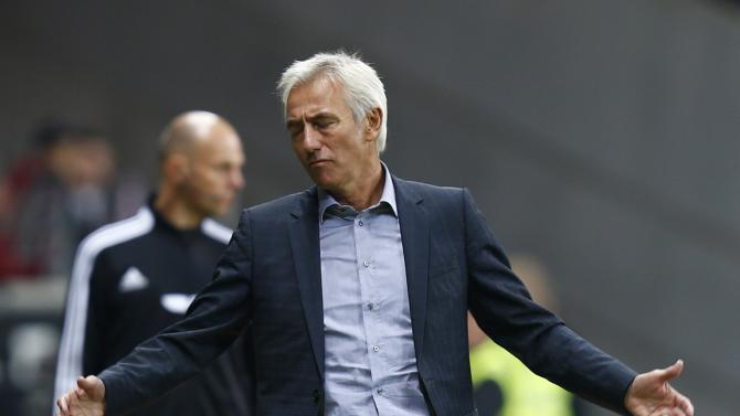 HSV Hamburg's new coach van Marwijk reacts during their German first division Bundesliga soccer match against Eintracht Frankfurt in Frankfurt