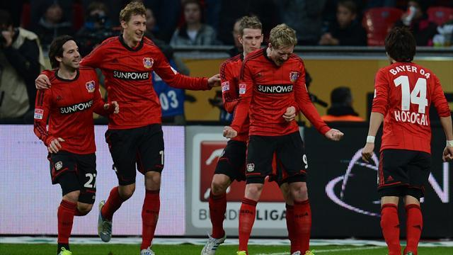 Bundesliga - Leverkusen capitalise on Bayern blip