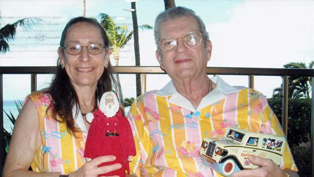 Seeing Double: Couple Wears Matching Outfits Every Day for 35 Years