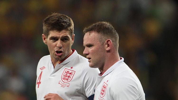 Steven Gerrard has leapt to the defence of England team-mate Wayne Rooney