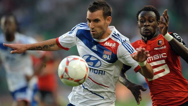 Ligue 1 - Reveillere replaces injured Jallet for France