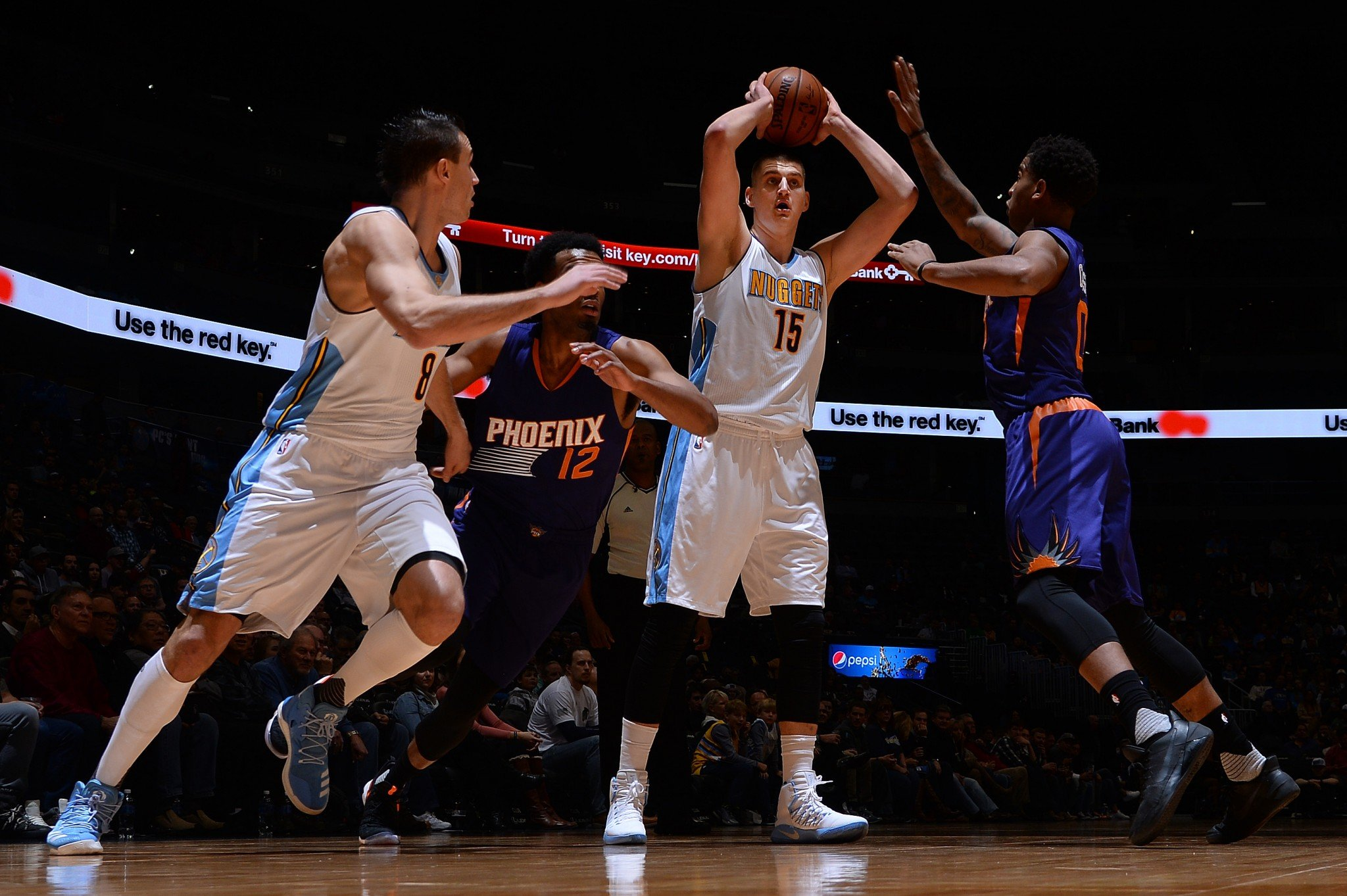 Nikola Jokic has already made the pass in his mind. (Getty Images)