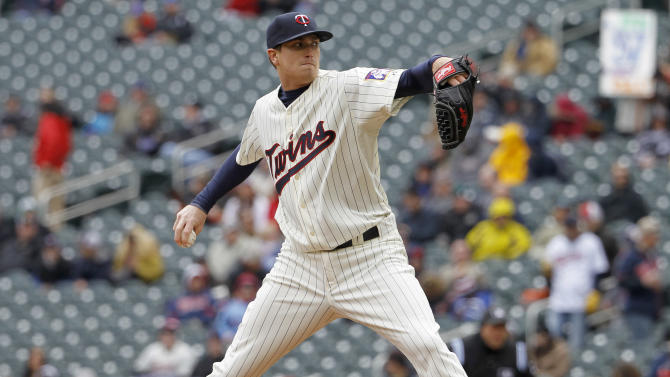 Twins use wild rally past Blue Jays for sweep