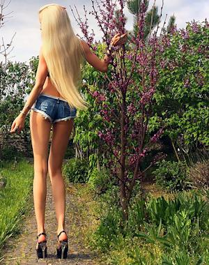 Human Barbie Valeria Lukyanova Responds to Haters After …