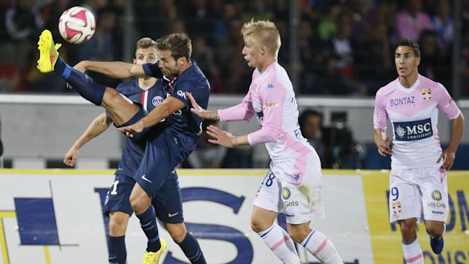Ligue 1 - Ten-man PSG held at Evian after Cabaye dismissal