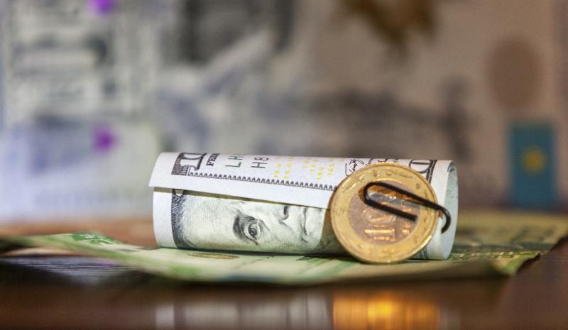 Debito emergente, a pensar male si fa peccato…