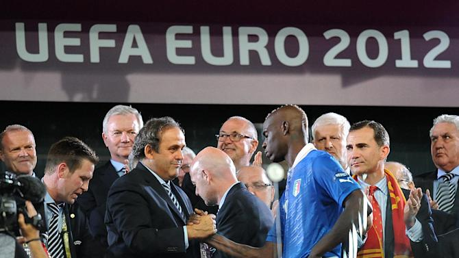 Cesare Prandelli believes Mario Balotelli (right) will come back stronger after the Spain defeat