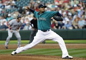 Hernandez wins 9th, Mariners beat Red Sox 11-4