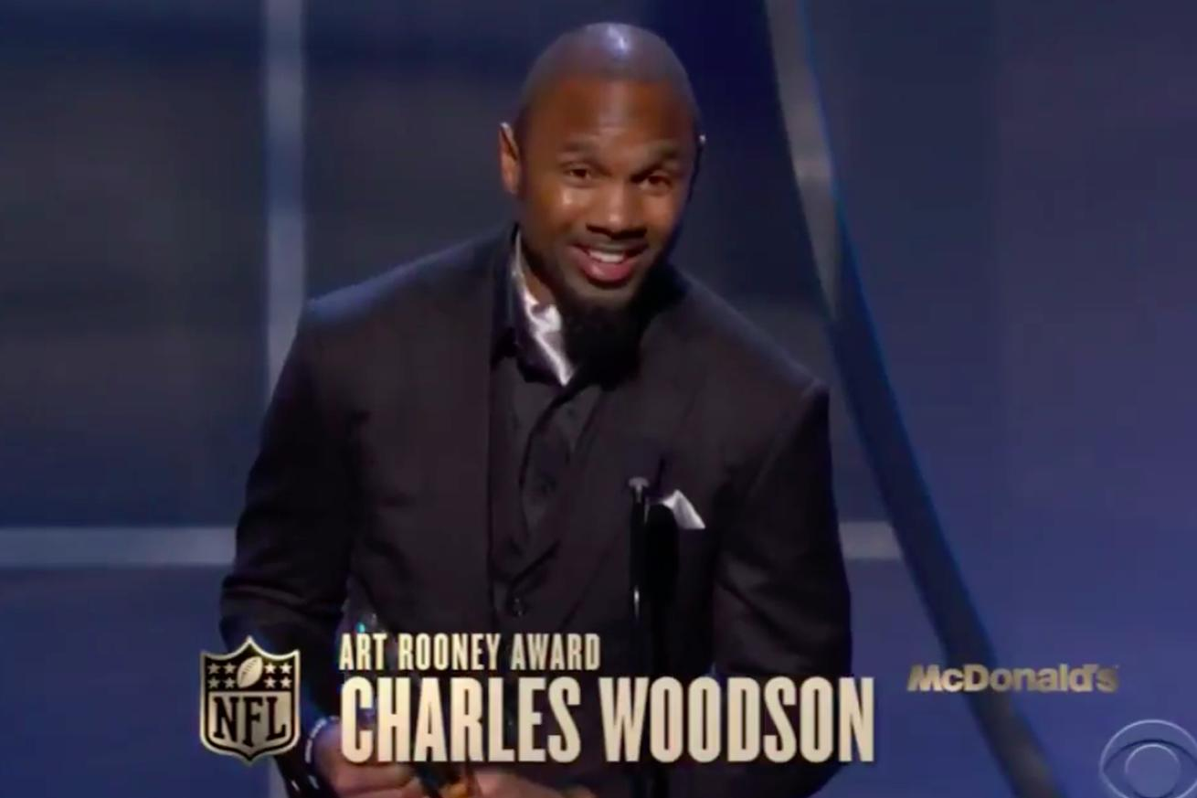 Charles Woodson sneaks in a shot at Kanye during NFL awards