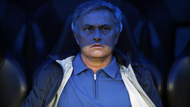 Premier League - Mourinho looks to calmer waters
