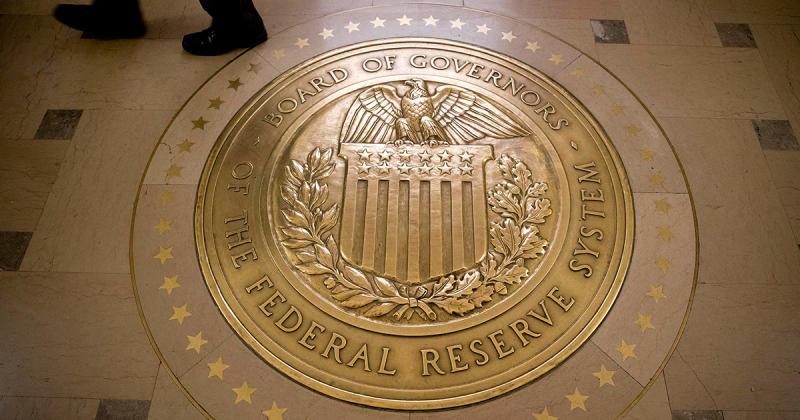 La Fed tiene dritta la barra