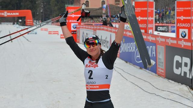 Cross-Country Skiing - Kowalczyk delights home crowd with dominant display