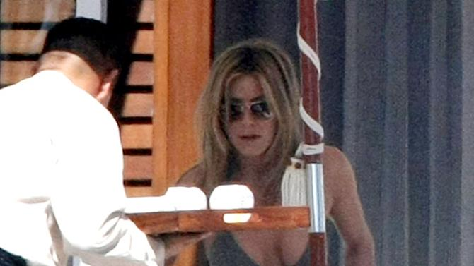 Aniston Jennifer Cabo