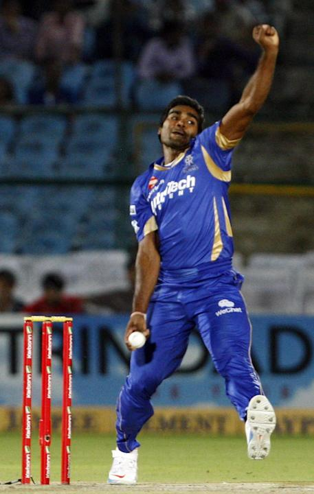 Rahul Shukla in action during CLT20 match between Rajasthan Royals and Otago Volts at Sawai Mansingh Stadium in Jaipur on Oct. 1, 2013. (Photo: IANS)