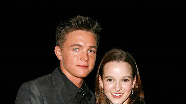 Mc Cartney Panabaker Hllywd Lf Aw