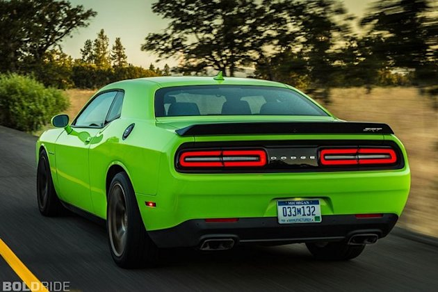 Challenger Hellcat rearview photos