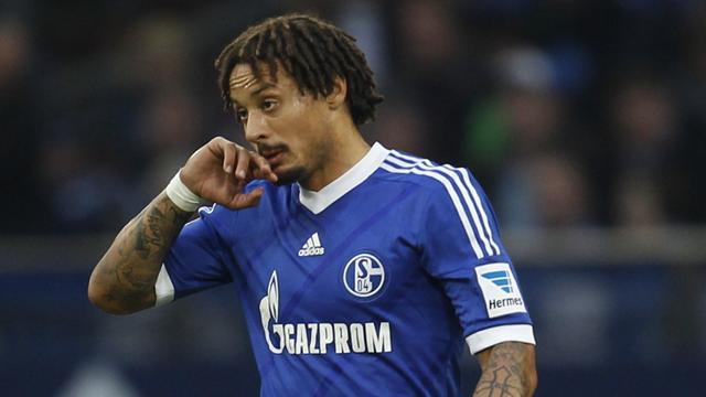 Bundesliga - USA midfielder Jones quits Schalke for Besiktas