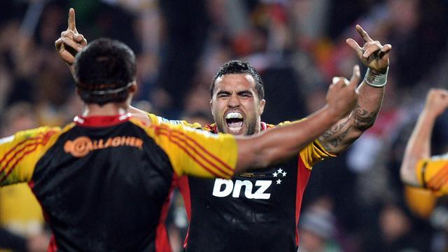 Super Rugby - Chiefs overhaul Highlanders in Hamilton