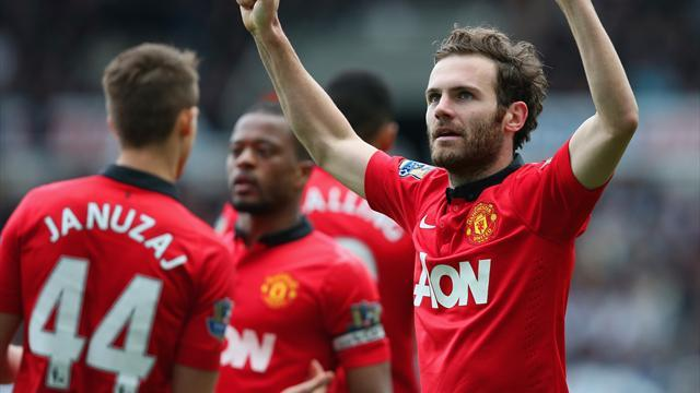 Premier League - Mata inspires Manchester United to easy victory