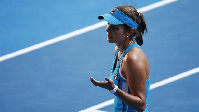 Tennis - Mladenovic stuns Goerges in Paris