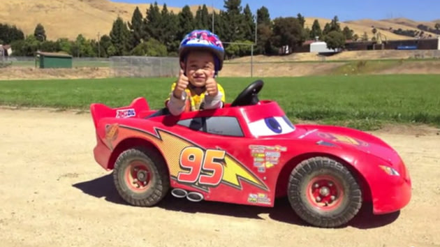 Tuner dad turns son s lightning mcqueen into real electric for Motor racing for kids