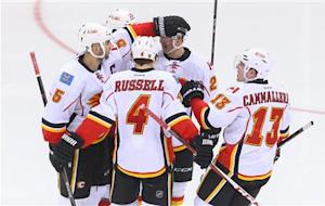 NHL: Calgary Flames at New Jersey Devils