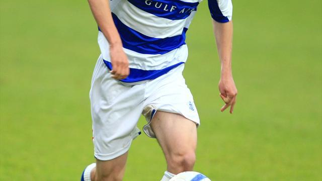 Football - Harriman sticks with Wycombe